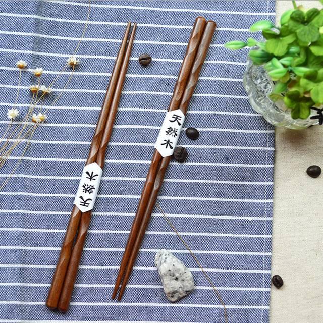 Sushi hůlky dřevěné 2 páry - ILA