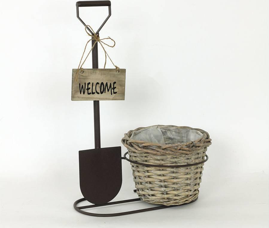 """Proutěný košík hnědý v kovovém stojanu , barva antická hnědá, """"s nápisem Welcome"""" AN777807 Art"""