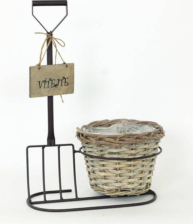 """Proutěný košík hnědý v kovovém hnědém antickém stojanu, s nápisem """" Vítejte """" AN779900 Art"""