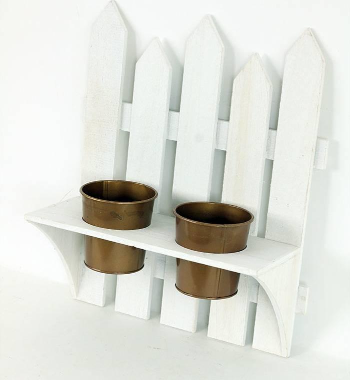 Dekorace dřevěná závěsná, tvar plotu s dvěma obaly na květiny, barva bílá antik GA805456 Art