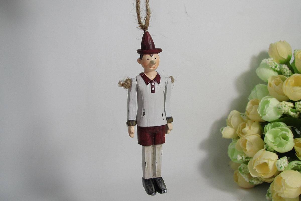 Panáček Pinokio na zavěšení, pohyblivé ruce,  polyrezinový AND108 Art