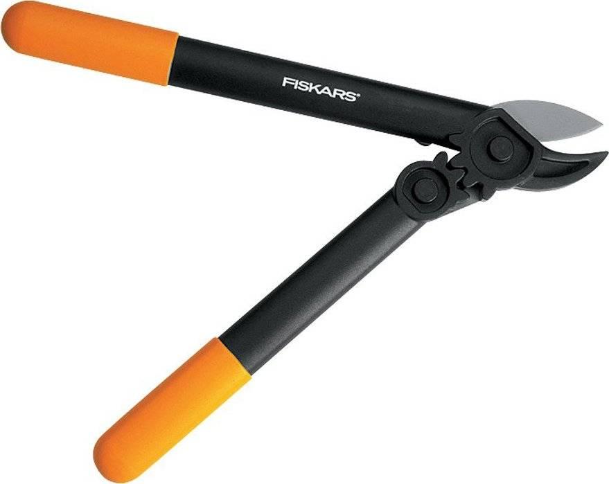 Nůžky PowerGear na silné větve převodové malé 1000581 Fiskars
