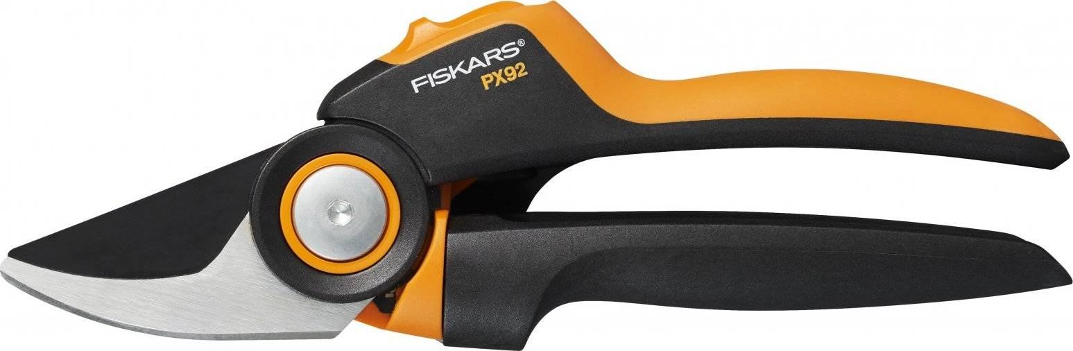 Nůžky zahradní převodové PowerGear X dvoučepelové (M) 1023630 Fiskars