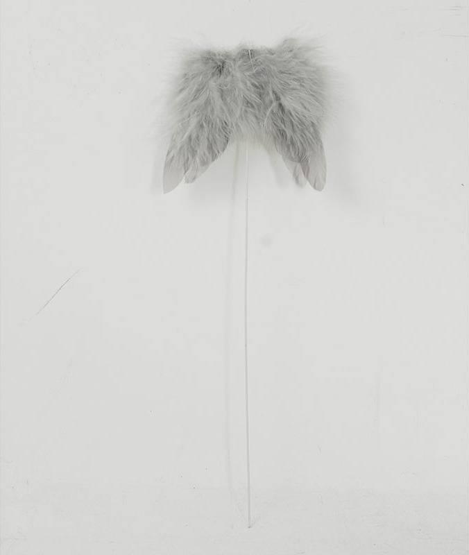 Andělská křídla z peří, -zápich, barva šedá,  baleno 12 ks v polybag. Cena za 1 ks. AK6105-GREY Art