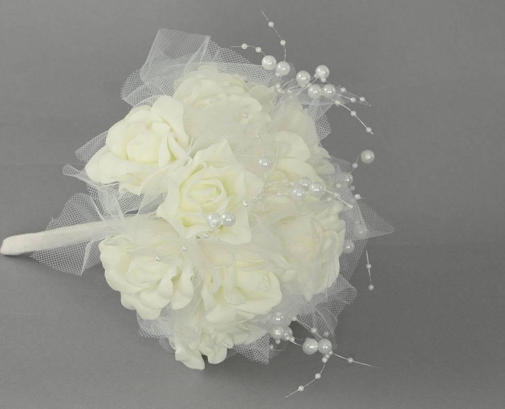 Puget z pěnových růžiček do ruky, barva bílá, umělá dekorace PRZ2988 Art