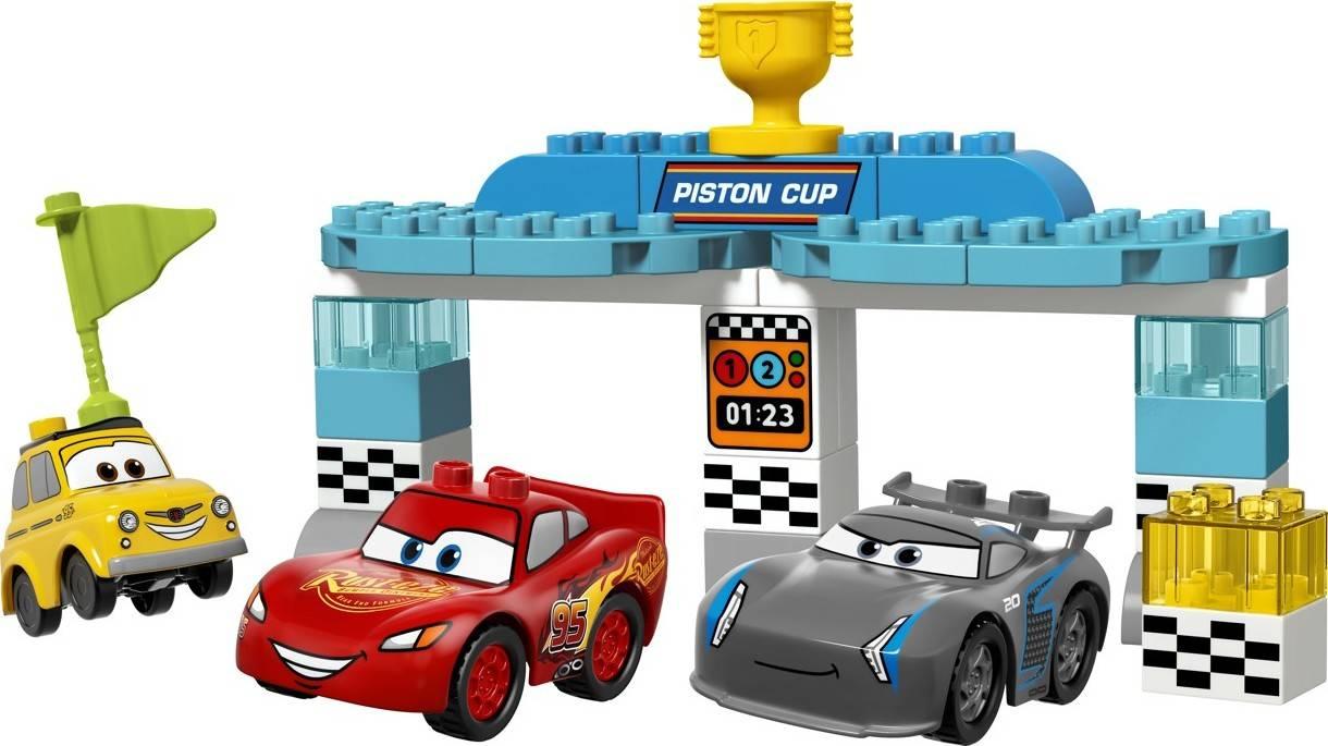 Fotografie LEGO® DUPLO® 10857 Cars Závod o Zlatý píst