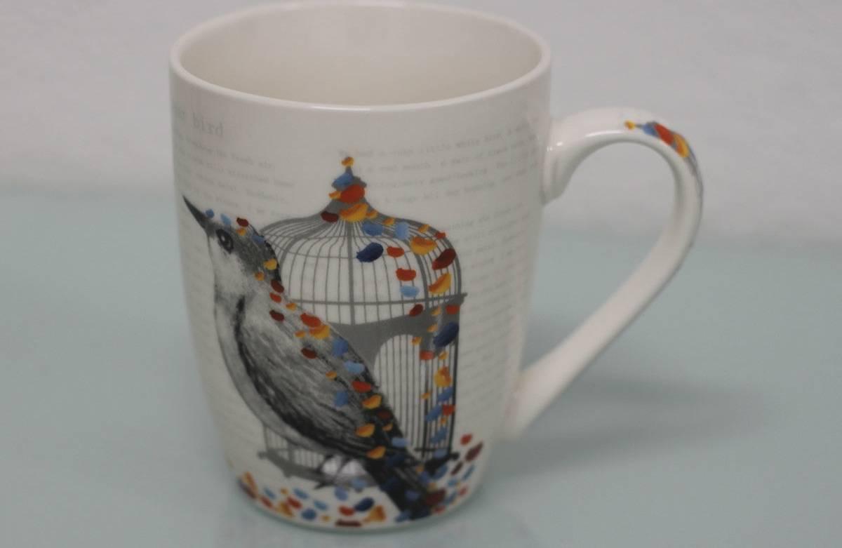 Hrneček porcelánový, dekor ptáčka, obsah 330 ml SF1107 Art